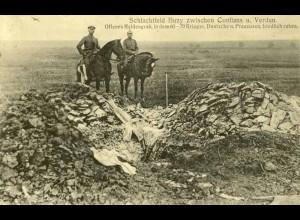 AK Originalaufnahme 1.WK Schlachtfeld Buzy offenes Heldengrab m.60-70 Krieger