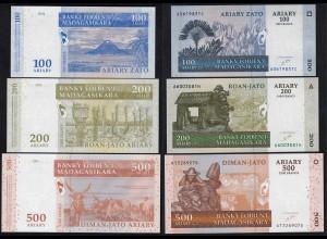 MADAGASKAR - 3 Stück Banknoten 2004 UNC (1) (14332